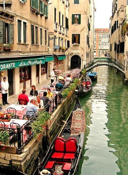 Da Raffaele Restaurant in Venice, Italy