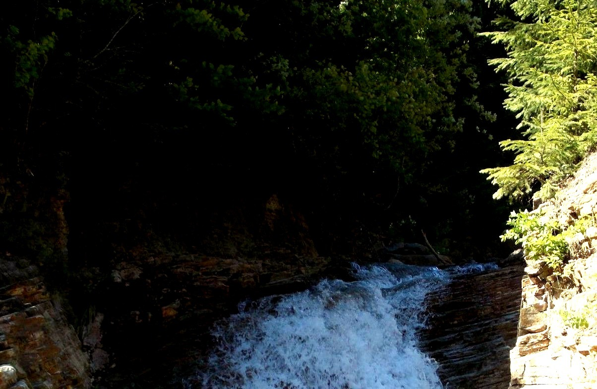 A small waterfall on the way back home